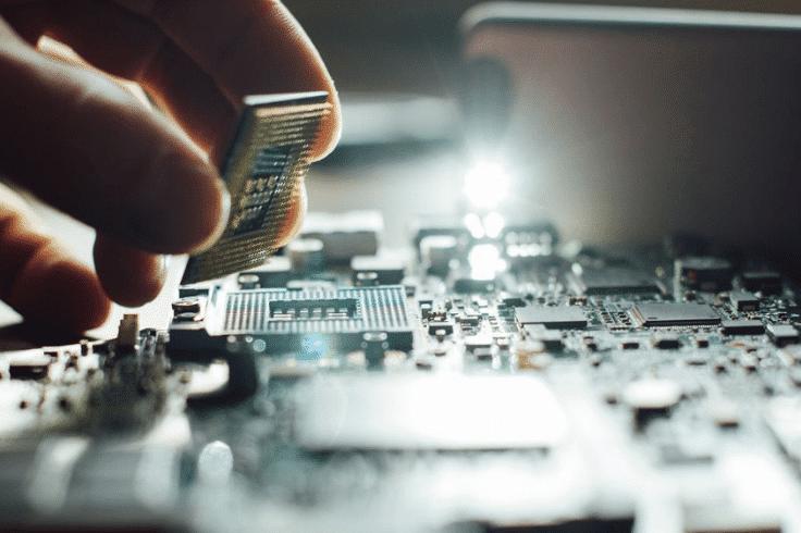 réparation de systèmes électroniques embarqués